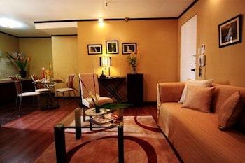 Manila Manor Hotel Room