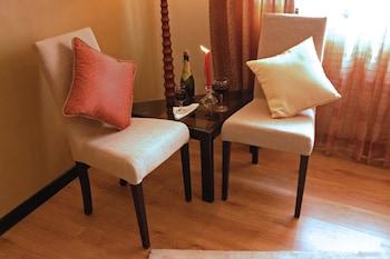 Manila Manor Hotel Living Room