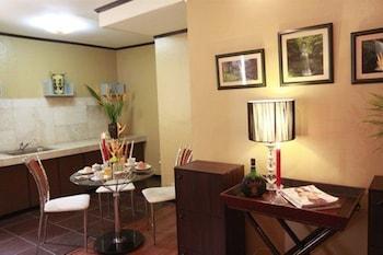 Manila Manor Hotel Private Kitchenette