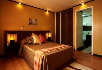 Manila Manor Hotel Guestroom
