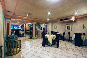 Manila Manor Hotel Breakfast Area