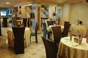 Manila Manor Hotel Dining