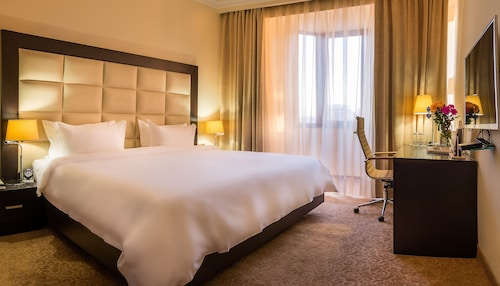 . Paris Hotel Yerevan