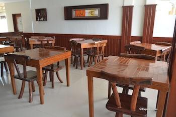 El Nido Beach Hotel Dining