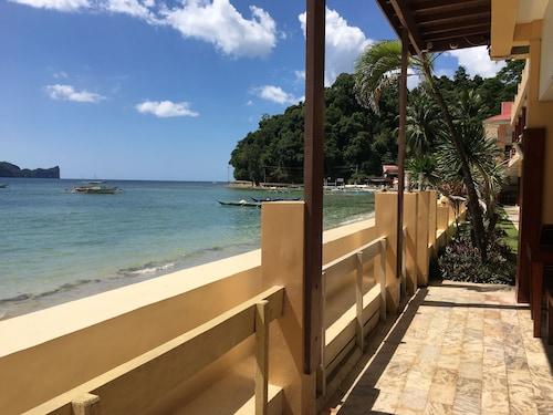 . El Nido Beach Hotel