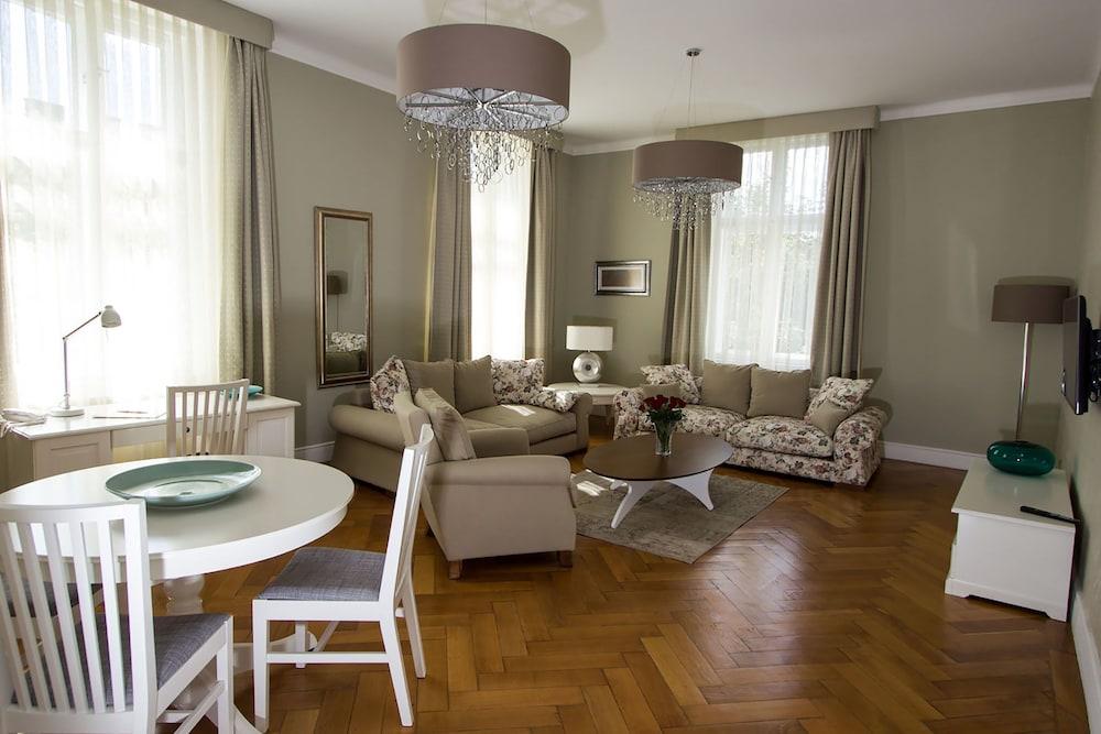Vienna Suites