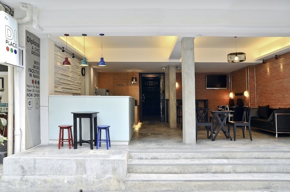 DI プレイス ホテル