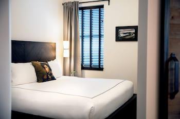 Suite, 1 King Bed (Belltown)