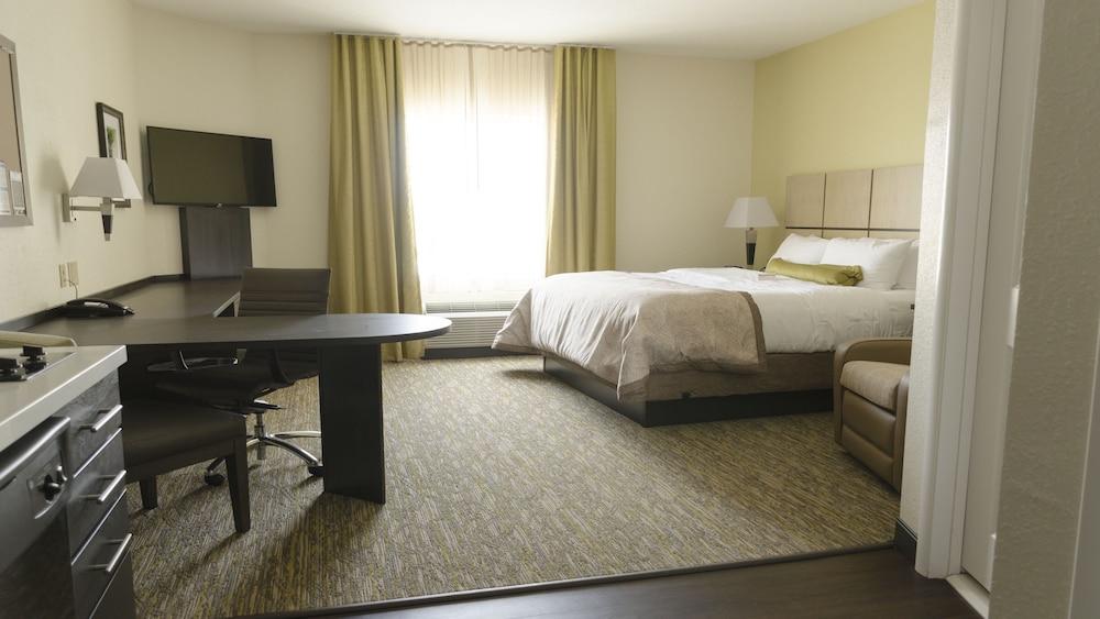 Studio Suite, 2 Queen Beds, Accessible, Non Smoking (Hearing)