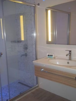 Blue Bay Platinum Hotel - Bathroom  - #0
