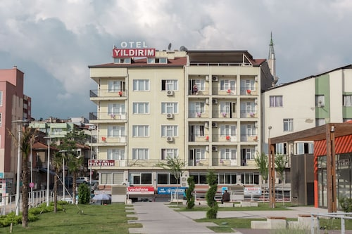 Yildirim Hotel, Merkez
