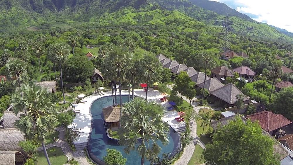 https://i.travelapi.com/hotels/10000000/9500000/9498900/9498829/0311b5f1_z.jpg