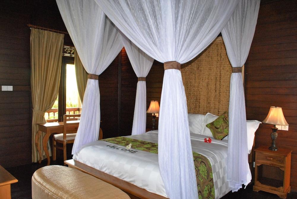 https://i.travelapi.com/hotels/10000000/9500000/9498900/9498829/147fc8a7_z.jpg