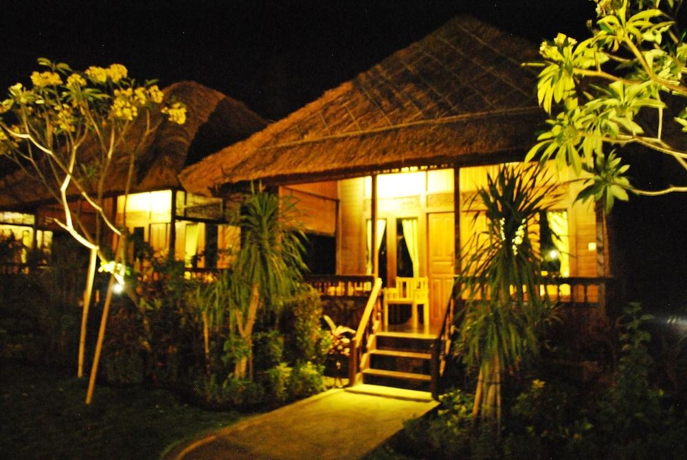https://i.travelapi.com/hotels/10000000/9500000/9498900/9498829/84564838_z.jpg