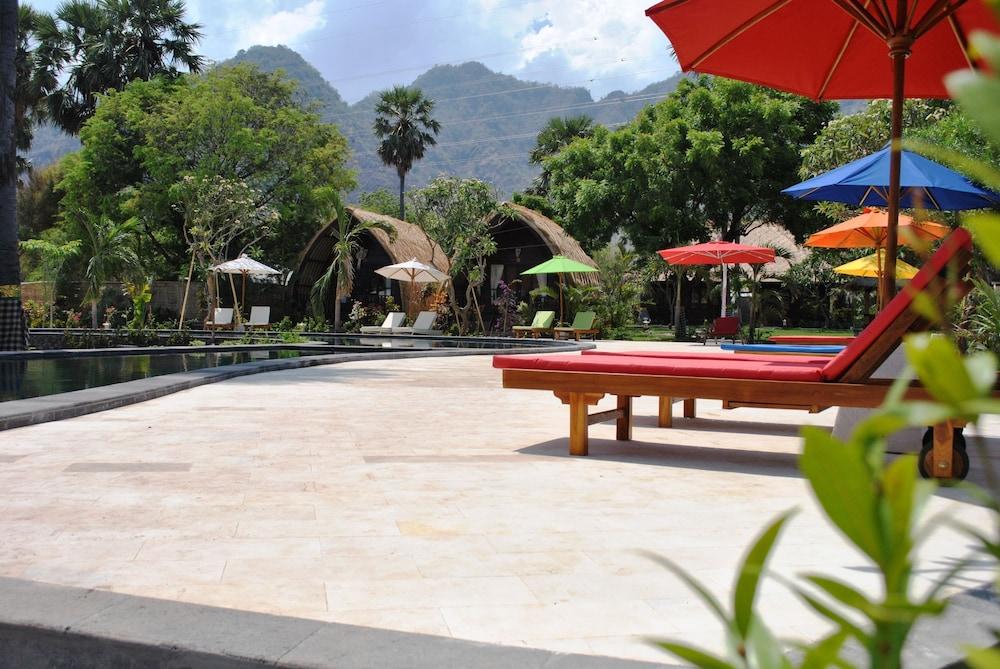 https://i.travelapi.com/hotels/10000000/9500000/9498900/9498829/b747cafb_z.jpg