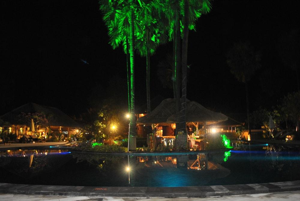 https://i.travelapi.com/hotels/10000000/9500000/9498900/9498829/ddb42470_z.jpg