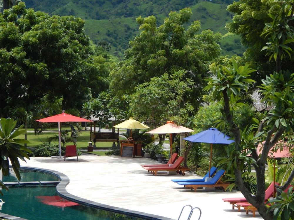 https://i.travelapi.com/hotels/10000000/9500000/9498900/9498829/fdb96fe2_z.jpg