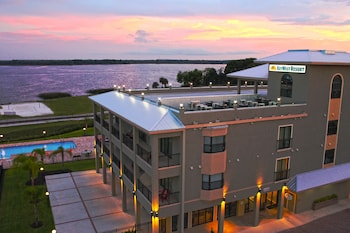 湖多拉基韋斯特渡假村 Key West Resort on Lake Dora