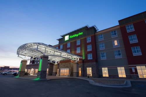 . Holiday Inn Bismarck