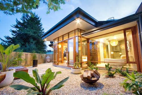 Sticky Rice Villas, Adelaide Hills --Central