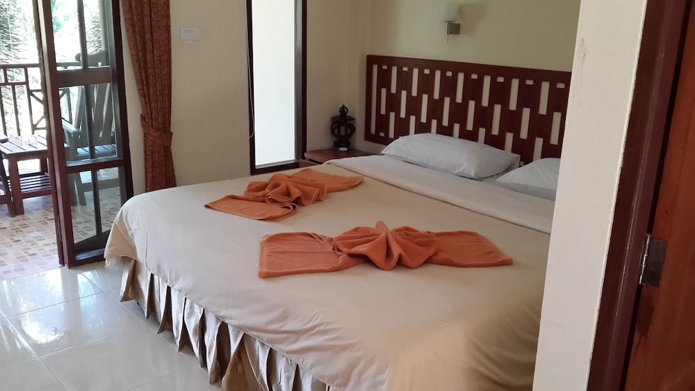 Rattana Guesthouse & Bungalow, Ko Samui