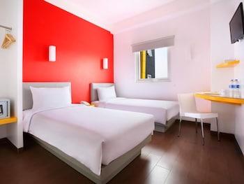 Hotel - Amaris Hotel Bekasi Barat
