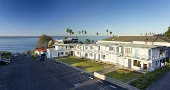 Hotel - The Tides Oceanview Inn and Cottages