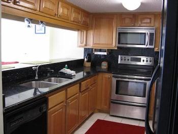 Condo, 3 Bedrooms, Kitchen, Beachfront (#704 )