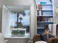 Room, Private Bathroom (#102 South Beach)