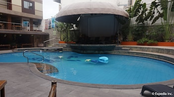 Score Birds Hotel Pampanga Outdoor Pool