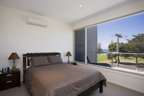 Two Bays Apartments, Surf Coast - East