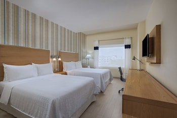 Deluxe Room, 2 Queen Beds, Non Smoking, City View