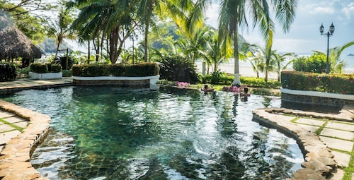 . Villa Marina Lodge & Condos
