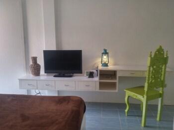 812 Angol Boracay Guestroom