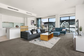Hotel - Waterfront Melbourne Apartments