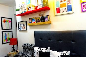 Urban Hostel Makati Lounge