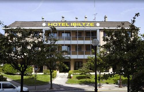 . Hotel Ibiltze
