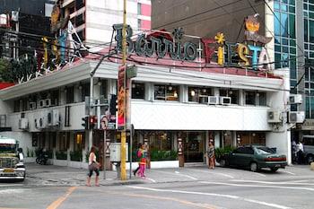 Makati Budget Hotel  Exterior