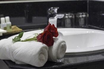 ローズ エメラルド ホテル