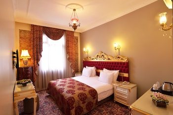 Hotel - By Murat Crown Hotel