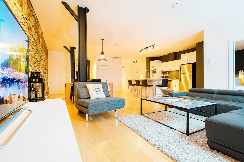 https://i.travelapi.com/hotels/10000000/9570000/9563800/9563771/48659db6_z.jpg