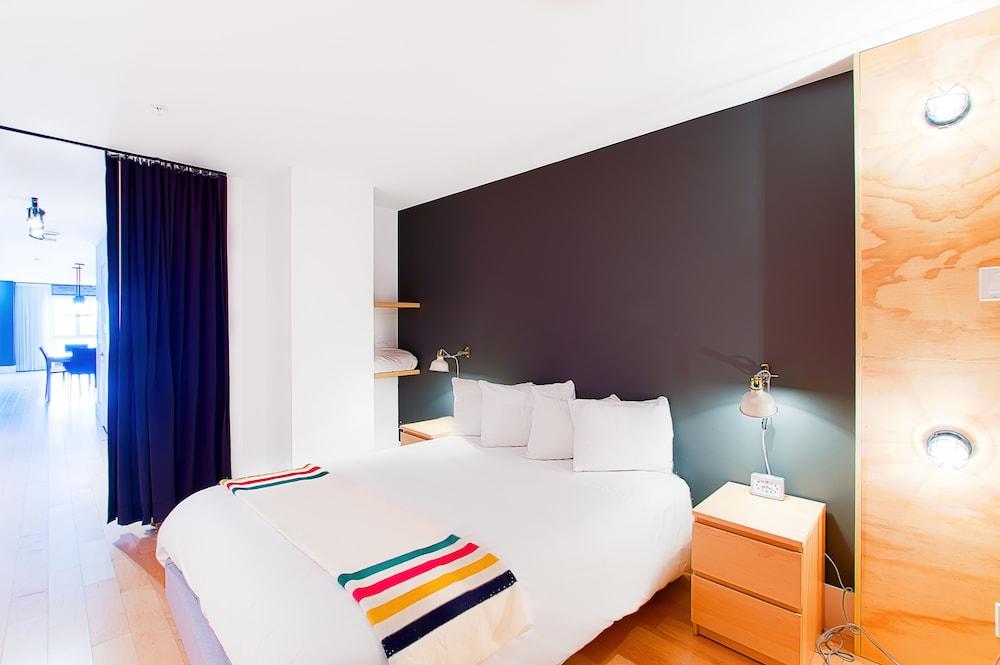 https://i.travelapi.com/hotels/10000000/9570000/9563800/9563771/b4907880_z.jpg