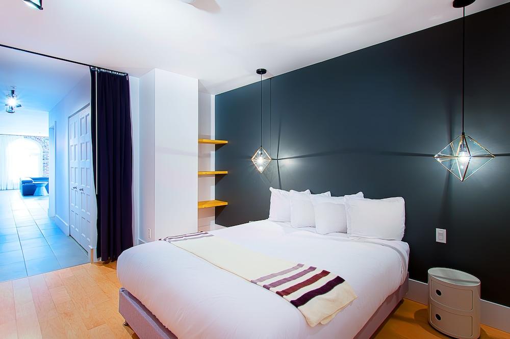 https://i.travelapi.com/hotels/10000000/9570000/9563800/9563771/ea87f2e9_z.jpg