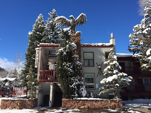Tyrolean Lodge, Pitkin