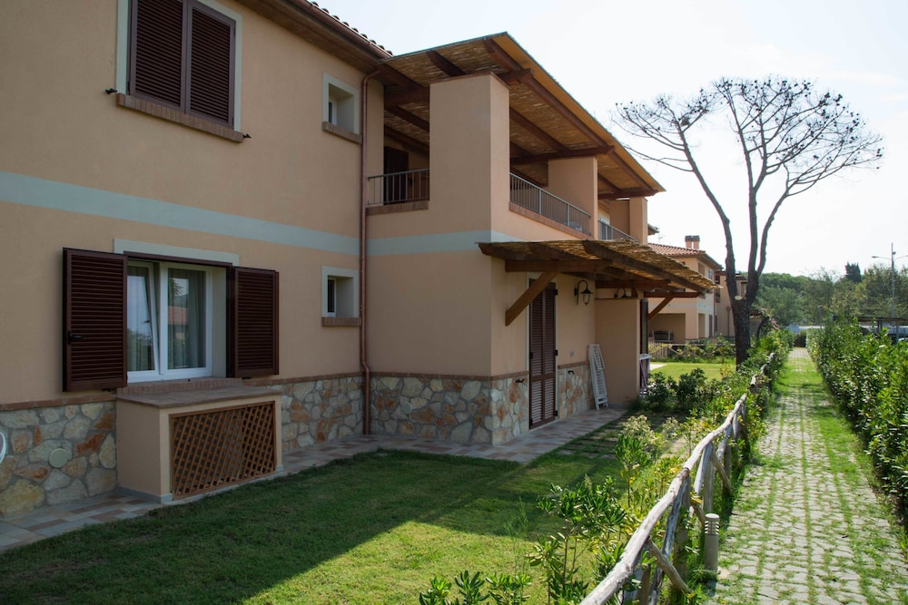 La Residenza del Golfo, Featured Image