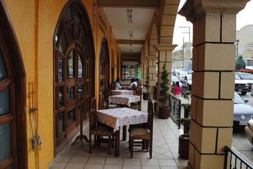 Hotel Arcos del Parque, Oluta