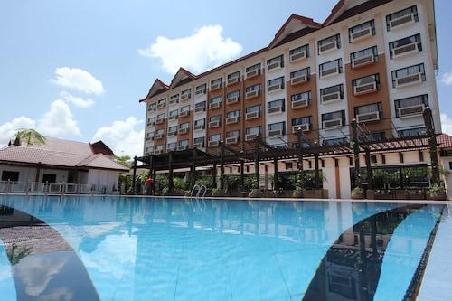 . Permai Hotel