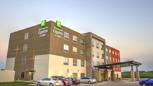 . Holiday Inn Express & Suites Spencer, an IHG Hotel