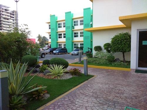 Go Hotels Bacolod, Bacolod City