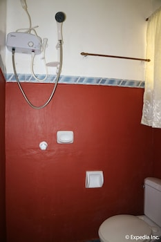 Mediterranean House Restaurant & Hotel Cavite Bathroom